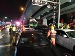 新北》泰山連環車禍 大貨車衝撞9台等紅燈汽車