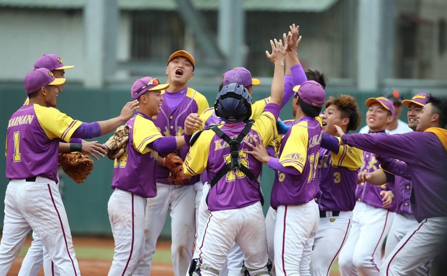 開南大學挺進大專棒球聯賽四強。(陳怡誠攝)