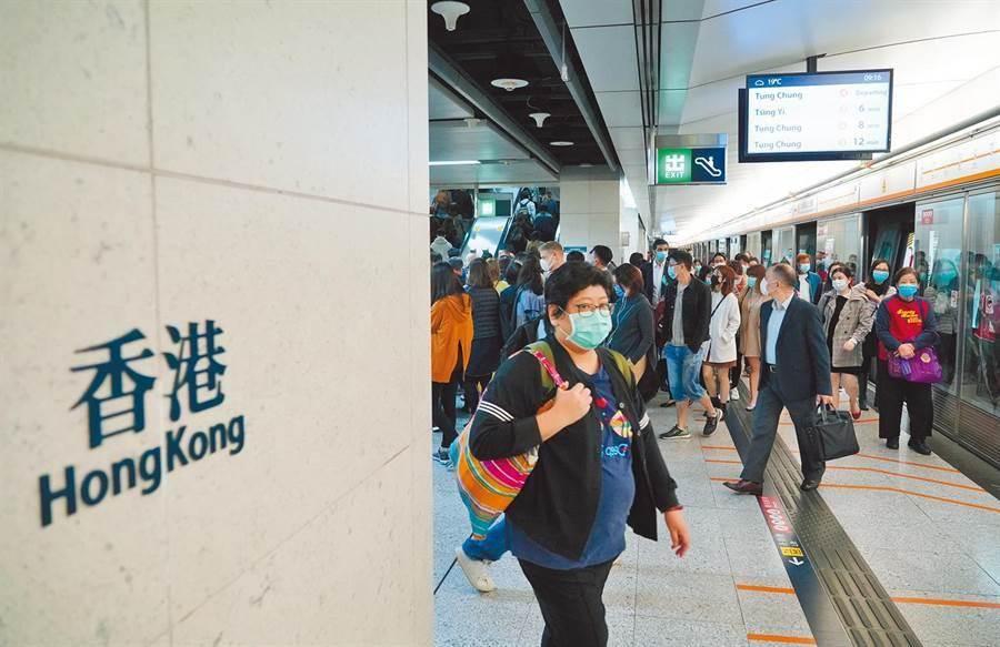 香港今日新增59宗確診,總確診人數達到641人(中新社)