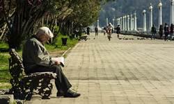 挺過瘟疫 義百歲人瑞染新冠肺炎痊癒