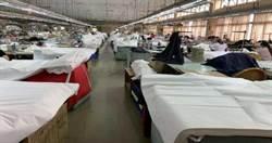 「拉鍊+機能服+牛仔褲」共3家台商組隊 縫製防護衣、隔離衣日產50萬件