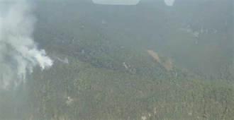 花蓮森林大火延燒1天 搶救困難林務人員徒步上山