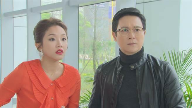 賴慧如(左)跟王燦(右)紛紛表示,只要跟翁家明對戲就會先笑再演。(民視提供)