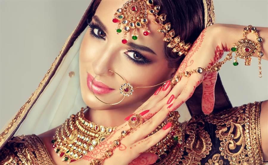 正妹跳印度舞被無視 直播卸妝秒增千萬粉絲(示意圖與本文無關/達志影像)