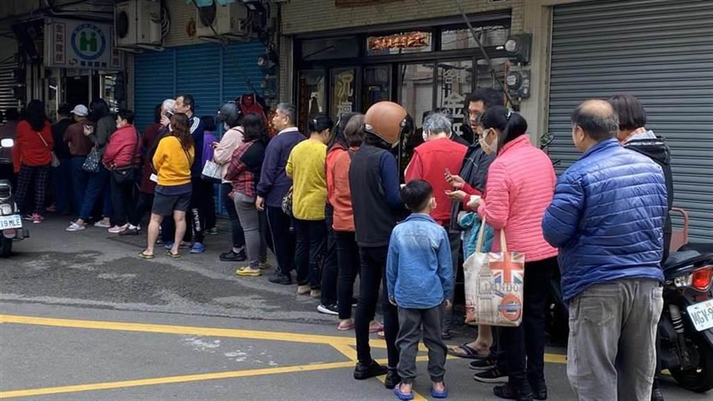 行政院推出「口罩實名制3.0」,未來購買口罩更為方便,且14天可買大人9片或兒童10片。(王文吉攝)