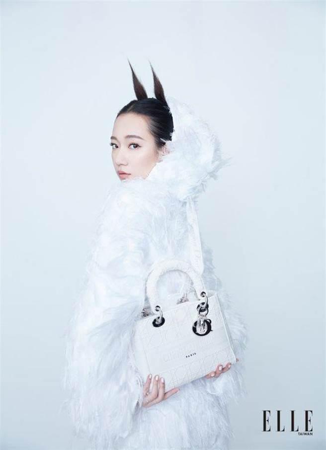 吳卓源擔任四月號時尚雜誌封面之星。《ELLE》國際中文版雜誌提供