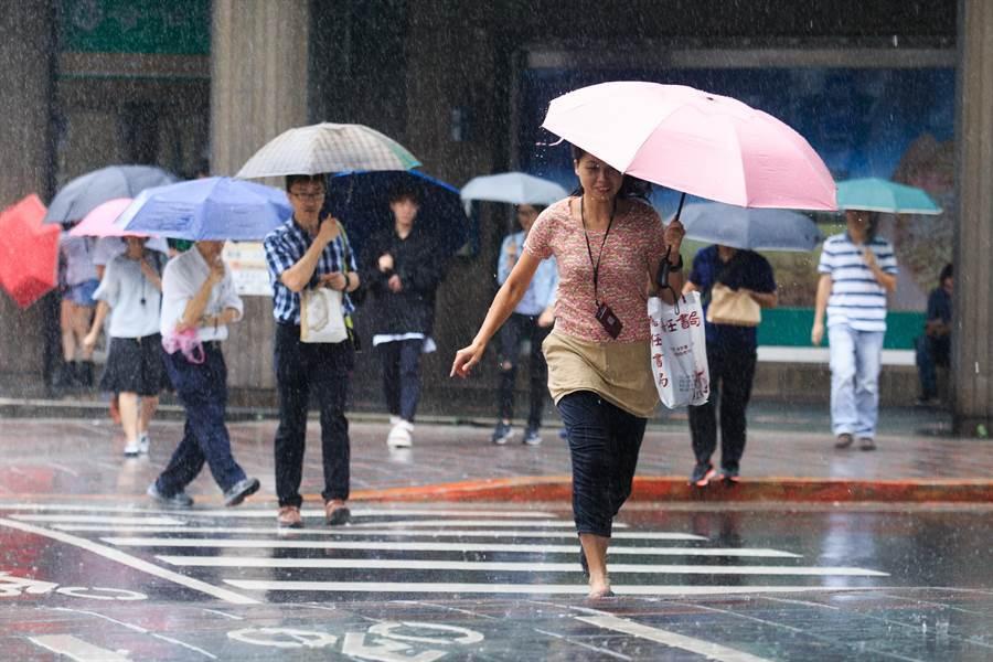 清明連假4天濕涼 氣象局:北部、東半部降雨時間稍長。(資料照)