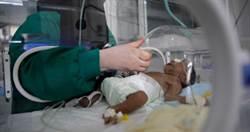 照完肺部CT才驚覺女嬰染疫 44名醫護人員被隔離