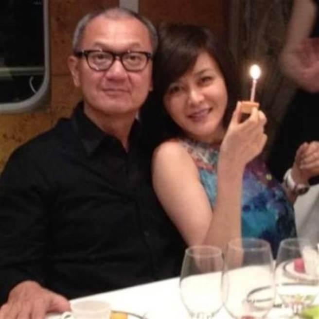 關之琳曾在微博曬和陳泰銘的甜蜜照,卻又突自爆兩人已經離婚。(資料照)