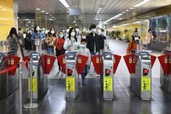 北市即日起搭乘大眾運輸工具 全面強制戴口罩