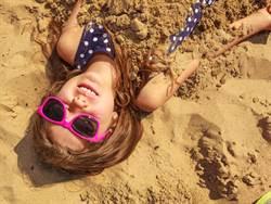 海邊玩沙一動作恐沒命 原因超嚇人