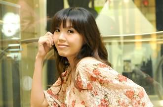 劉樂妍見舊照激動 悲憶過世爺爺「留下來實在太苦了」