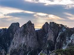 黃山風景區5日一早就達遊客上限 連續2日限流