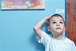 童在家上課胖6公斤提早發育 檢查骨齡母嚇傻