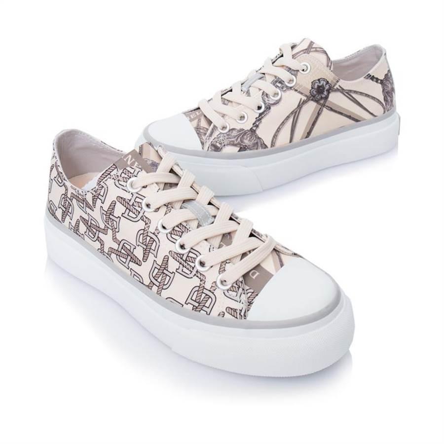 Daniel Wong探索鞋履(典藏探索者低筒鞋)。(Daniel Wong提供)