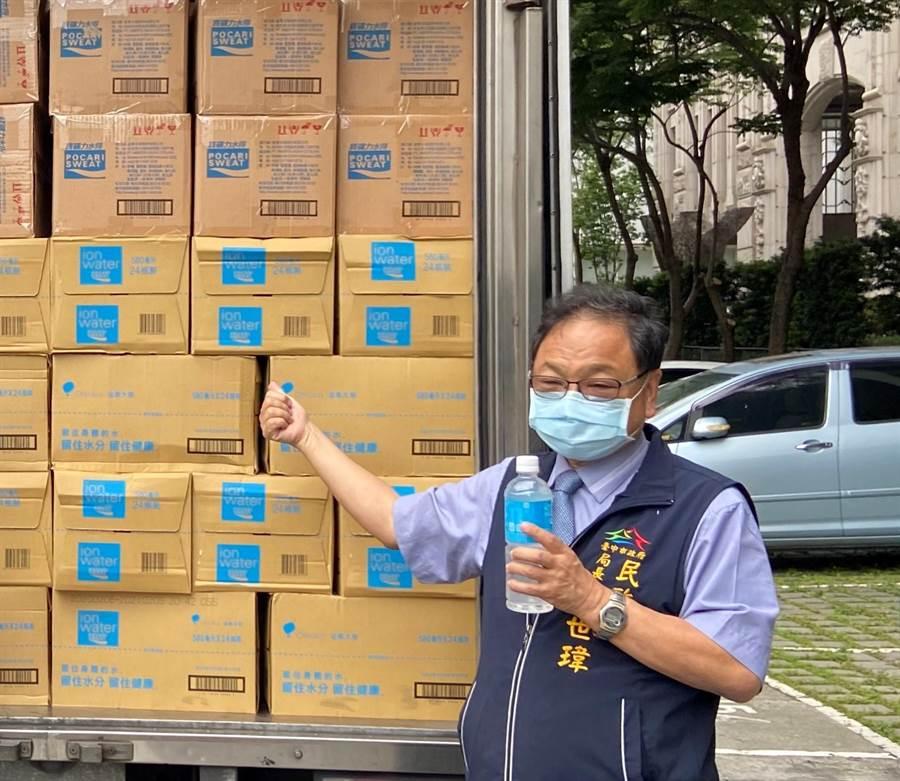 台中市民政局長吳世瑋6日表示,居家檢疫違規者,已移送74件給衛生局處置,有人竟是菸癮發作,出門買一包菸,付出重罰代價。(盧金足攝)
