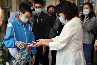 防疫融入科學 北興國中做出自動噴酒精機器人