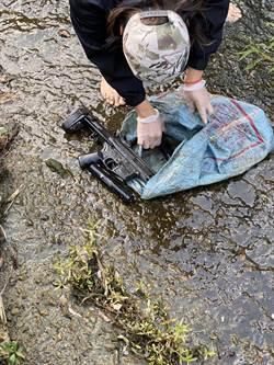 北市板信銀行搶匪使用M4衝鋒槍 警台中水溝挖出