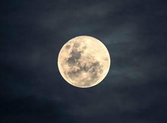 超級月亮登場!基隆港賞月最適宜 安心賞月又防疫