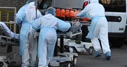 像鬼城一樣!紐約醫護穿「垃圾袋防護衣」 清潔竟靠濕紙巾