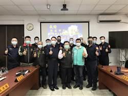 支援警員防疫 議員、警友站長捐贈防噴沫面罩