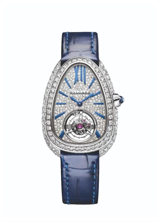 寶格麗SERPENTI SEDUTTORI TOURBILLON白K金陀飛輪腕表,是目前最迷你小巧的陀飛輪表,262萬元。(BVLGARI提供)