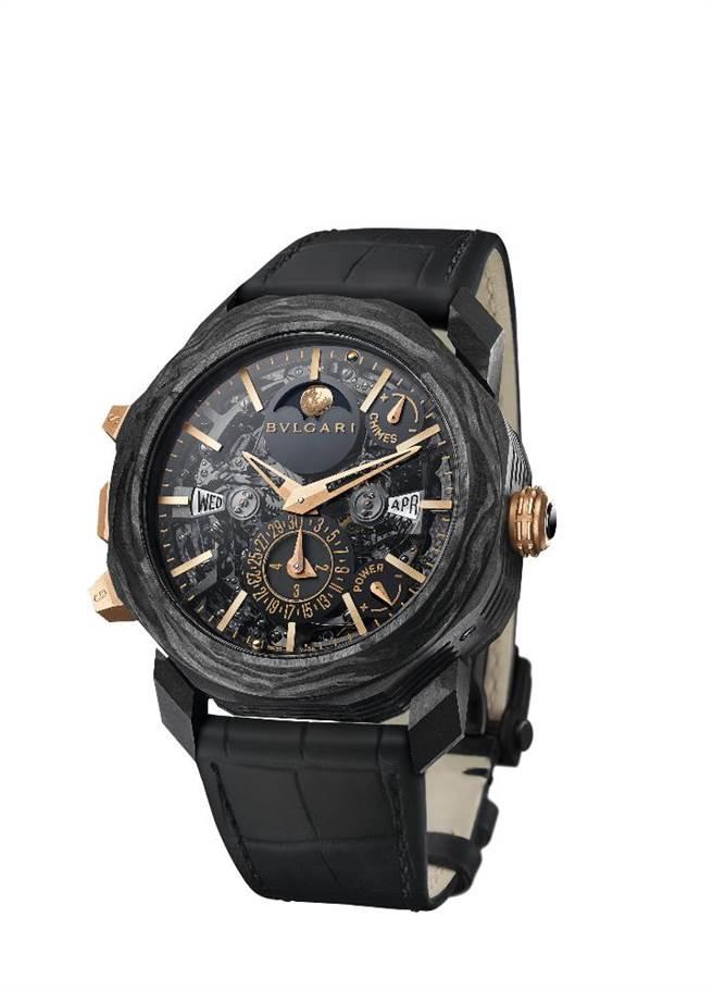 寶格麗OCTO ROMA大自鳴陀飛輪萬年曆複雜功能腕表,2613萬元,全球僅一只。(BVLGARI提供)