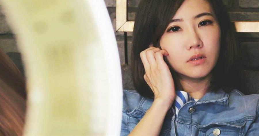 謝忻在與阿翔鬧出婚外情後,演藝事業受到嚴重打擊。(圖/翻攝臉書)