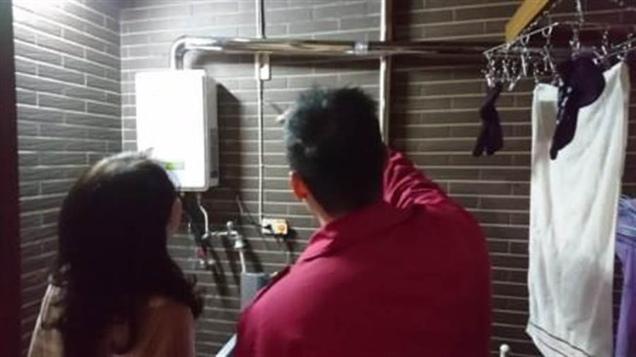 台中市政府消防局提供「居家消防安全診斷表」,包括,線路檢查、熱水器合格檢驗、液化石油氣容器合格標識等,並自製QR-code連結消防局「火災案例宣導專區」,協助民眾確認家中是否有潛在致災因子。(台中市消防局提供/張妍溱台中傳真)