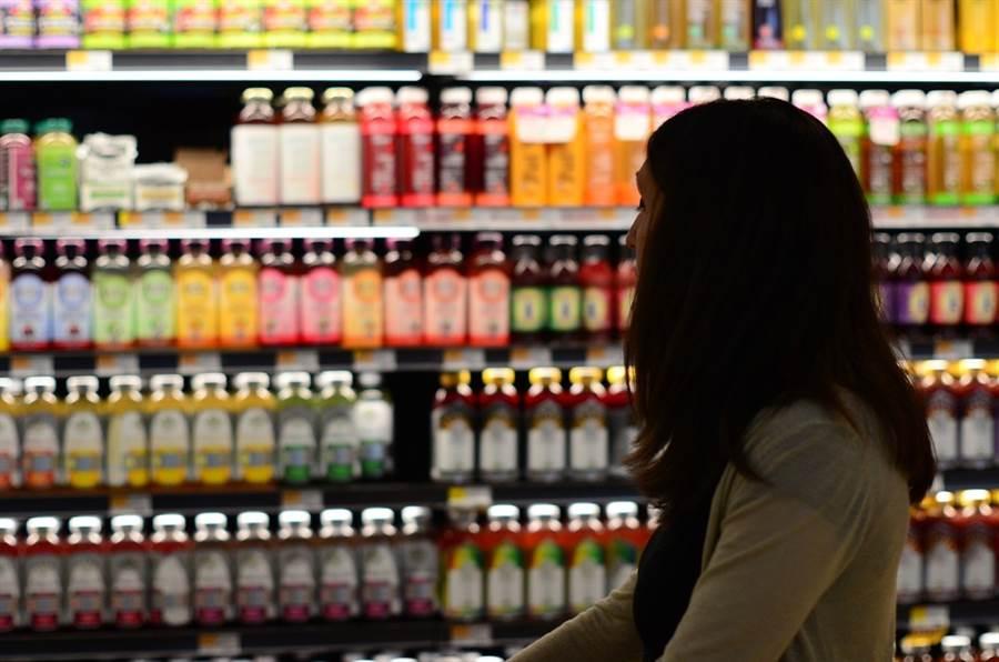 從購物車、購物袋,到貨架上的商品都可能是漏洞,雖不需要過度恐慌,但多幾個步驟可以讓你買得更安心。圖/pixabay