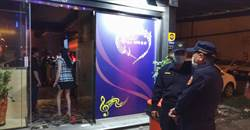 南市警道德勸說 有女坐檯視聽餐廳主動歇業
