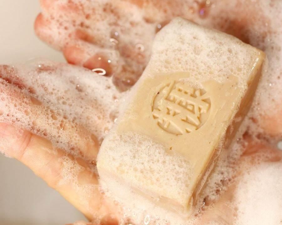 防疫期間要勤洗手,expo推薦富含穀維素、維生素E的「手工糠皂」。(誠品提供)