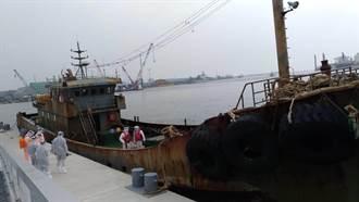 海巡威力掃蕩 苗栗外海扣留越界陸船