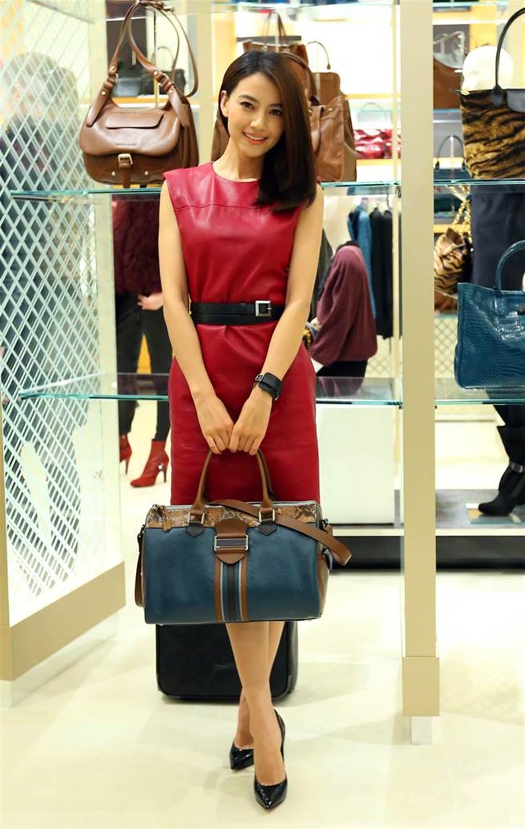 高圓圓在2012年以「趙又廷女友」身分來台。(圖/本報系資料照片)
