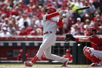 MLB》荷斯金斯3連轟 用電玩敲暈對手