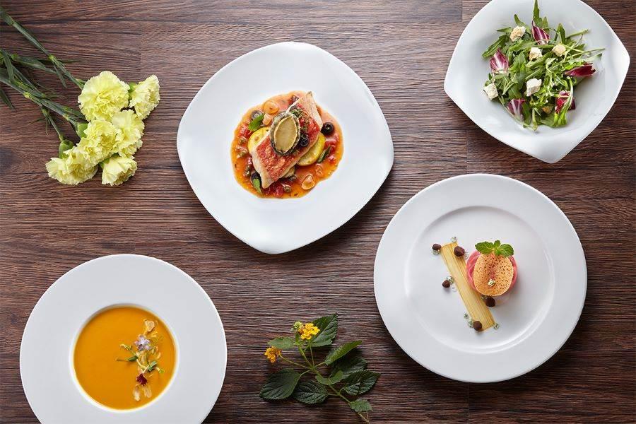 The Chapter Café推出「饗樂套餐」,輕鬆享用清爽的海陸饗宴。(誠品行旅 提供)