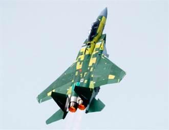 大秀武藝!最先進版F-15戰機首飛