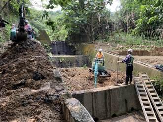 中山公園淤積嚴重恐成災 樹林區公所進駐清淤