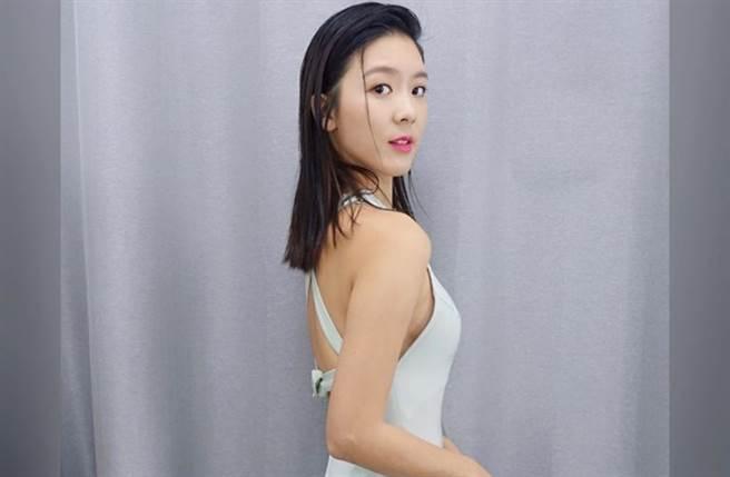 26歲香港女星余香凝(Jennifer Yu)以174cm的高挑身材、秀氣臉蛋走紅。(圖/IG@jenniferyuuu)
