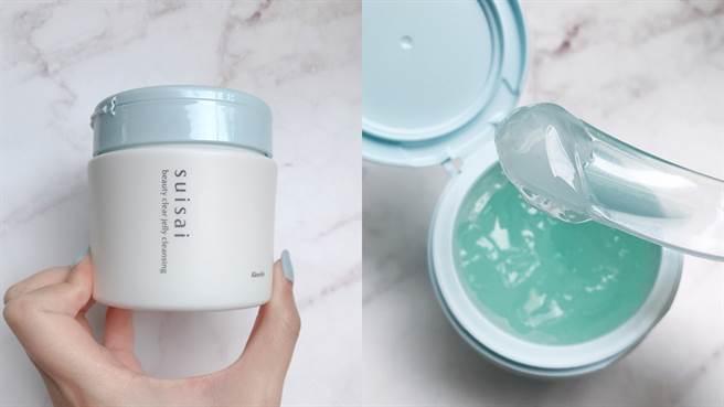 毛孔淨透潔顏凍是水洗型卸妝品,使用時清爽不油膩非常舒服,NT890元。(圖/邱映慈攝影)