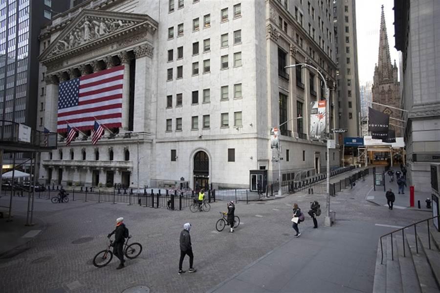 疫情狂襲全球經濟 高盛估比金融危機嚴重4倍(美聯社資料照)