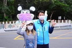 防疫不缺席 花蓮地標米老鼠戴上口罩成焦點