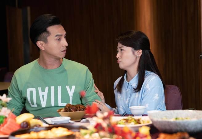 王少偉讚娶到楊小黎可以少奮鬥40年,這對雙金鐘夫妻組將在《我的婆婆怎麼那麼可愛》有爆笑演出。(公視提供)