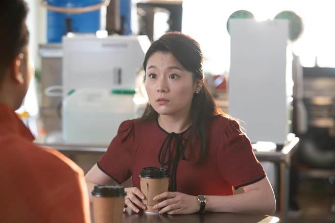 楊小黎在《我的婆婆怎麼那麼可愛》中飾演王少偉的賢惠老婆,兩人默契極佳。(公視提供)