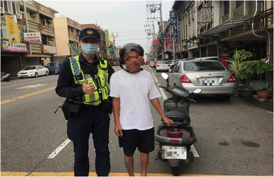警方順利找回楊姓男子的機車。(大甲警方局提供/陳淑娥台中傳真)
