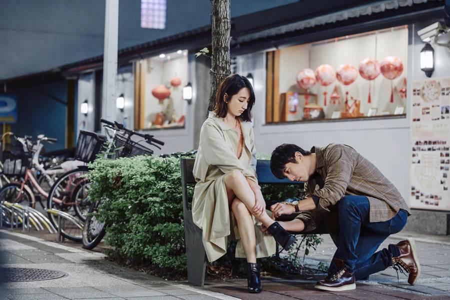 柯佳嬿、修杰楷主演《愛的詐欺犯》17、18日在中視、中天娛樂台播出。(中視提供)