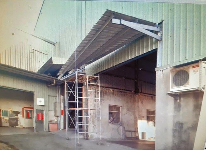 新豐鄉一間碾米廠16日下午傳出工安意外,導致2名工人1死1傷。(翻攝照片/莊旻靜新竹傳真)
