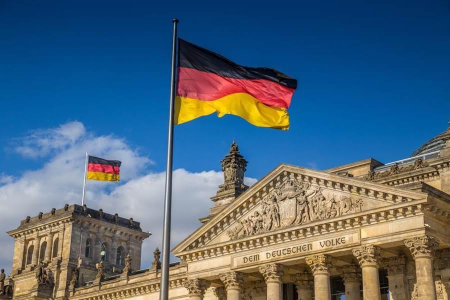 德國爽收100萬片口罩「不謝台灣」 台大醫:台灣不是佛地魔。(示意圖/Shutterstock)