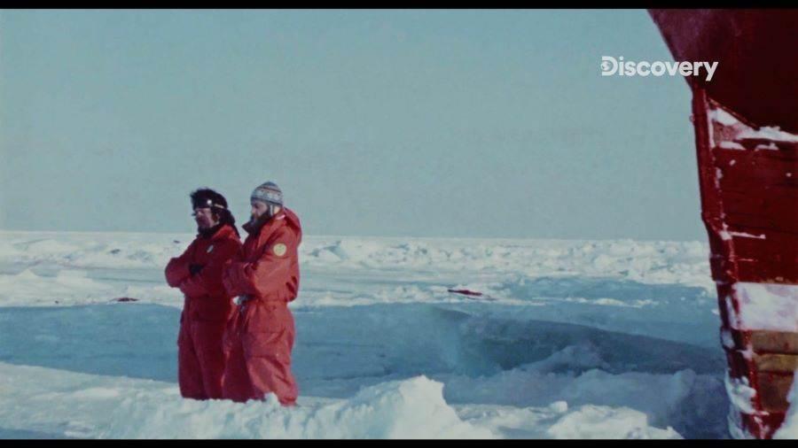 瓦森與同伴不惜以肉身阻擋,成功使挪威獵捕海豹船放棄捕獵。(Discovery頻道 提供)