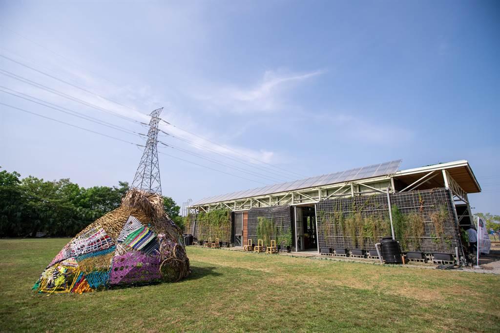 長榮大學國際珍古德根與芽生態教育中心啟用,今天同步也發表「藝塑.藝塑根與芽成果發表會」。(長榮大學提供/曹婷婷台南傳真)